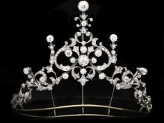 Regal Jewels Inspired by Released Drama Series 'The Crown'