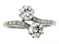 Diamond Cross Over Ring in Platinum, Circa 1935.