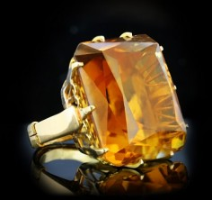 November birthstones: citrine and topaz