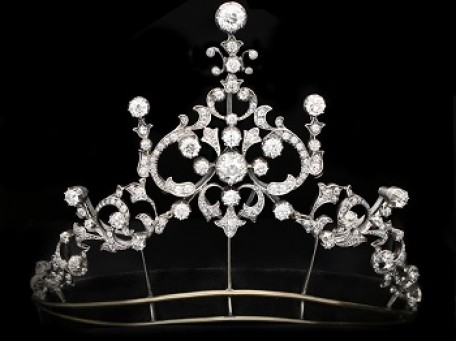 Regal Jewels Inspired by Newly Released Drama Series 'The Crown'