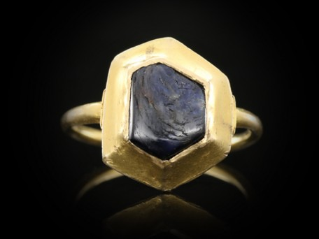 Rare Medieval Sapphire Ring Unearthed in Sherwood Forest