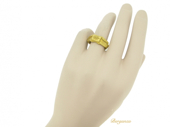 hand view Ancient Roman gold signet ring, 3rd century AD.