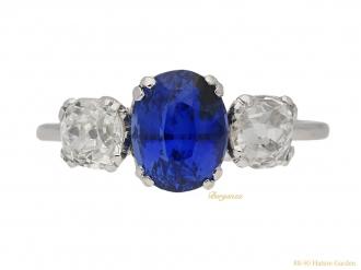 front-view-antique-Sapphire-diamond-three-stone-ring-berganza-hatton-garden
