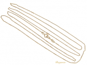 front-view-Antique long guard chain necklace in 15ct gold, circa 1910.