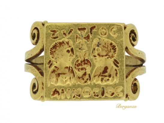 front-view-Early-Byzantine-gold-marriage-ring,-circa-4th-century-AD.-berganza-hatton-garden