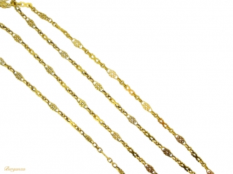 front view Antique long guard chain necklace in 18ct gold, French, circa 1900.