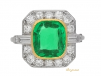front view Colombian emerald and diamond cluster ring, circa 1940.