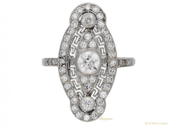 front-view-Belle-Epoque-diamond-cluster-ring,-circa-1905.-hatton-garden-berganza