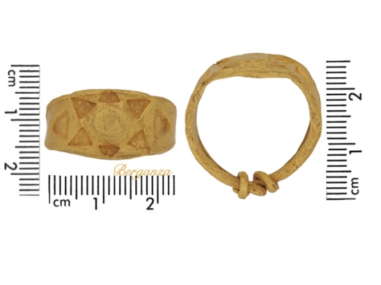size view Gold Viking stamped ring, circa 9th-11th century AD.