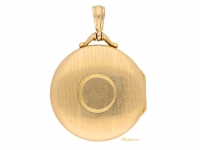 front view Antique 15ct gold locket, circa 1913.