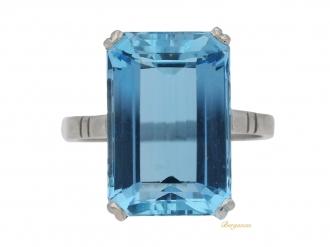 front-view-Art-Deco-solitaire-aquamarine-ring,-circa-1935.-berganza-hatton-garden