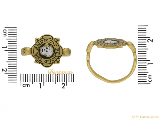 size-view-tudor-skull-enamelled-ring-hatton-garden-berganza
