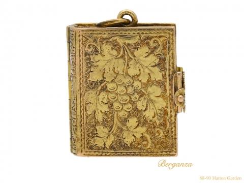 front-antique-yellow-gold-locket-berganza-hatton-garden
