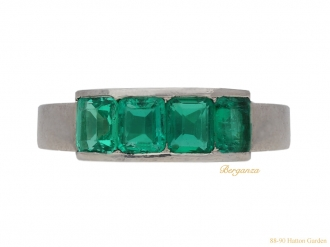 front-view-art-deco-emerald-ring-berganza-hatton-garden