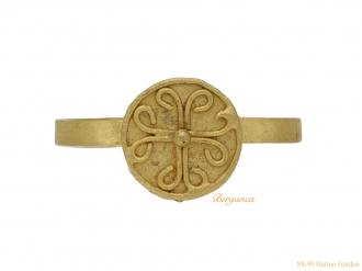 front-ancient-Byzantine-gold-ring-berganza-hatton-garden