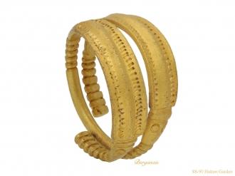 front-Pre-Viking-gold-ring-berganza-hatton-garden