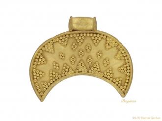 front-ancient-viking-pendant-berganza-hatton-garden