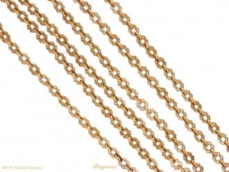 front-Art-Nouveau-gold-long-chain-berganza-hatton-garden