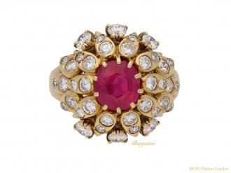 front-Van-Cleef-Arpels-ruby-diamond-ring-berganza-hatton-garden