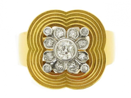 front-view-Diamond cocktail ring, circa 1945.