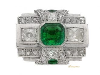 front-view-Art Deco emerald and diamond ring