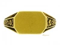 front view Antique signet ring in yellow gold, French, circa 1900. berganza hatton  garden