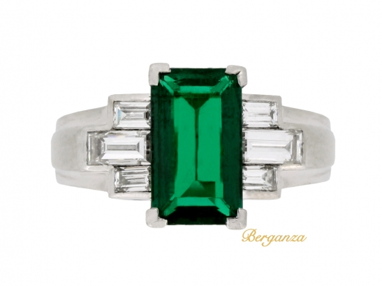 front view Gubelin Colombian emerald and diamond ring, circa 1943.