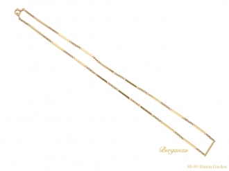 18ct yellow gold chain, French, circa 1930.