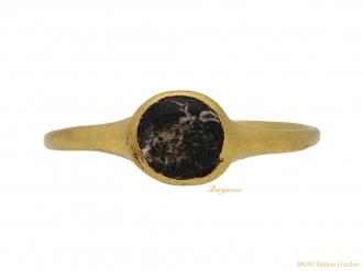 front view Ancient Roman gold ring berganza hatton garden