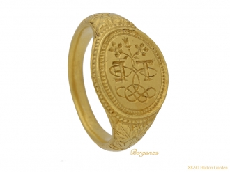 front Elizabethan betrothal gold ring berganza hatton garden