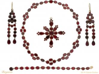 Rare Georgian garnet suite hatton garden berganza