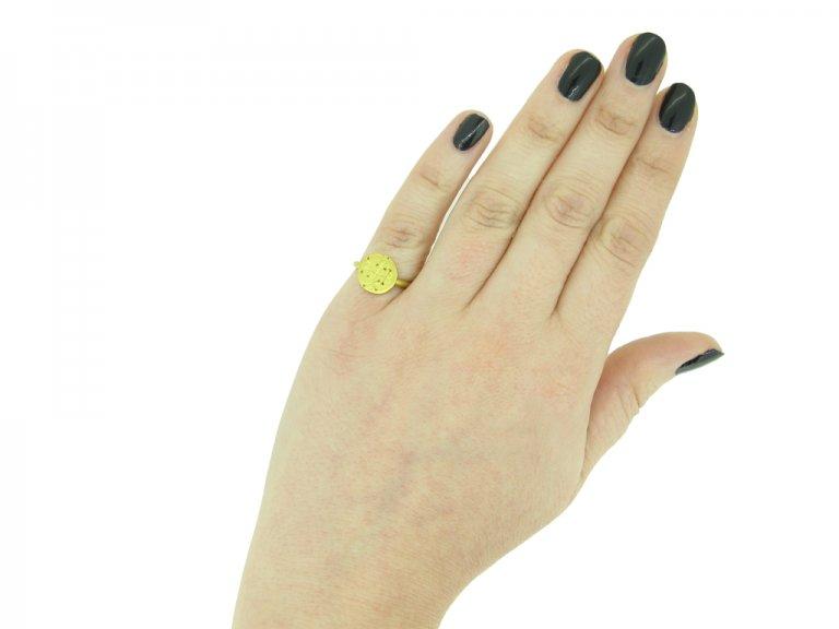 Byzantine gold signet ring berganza hatton garden