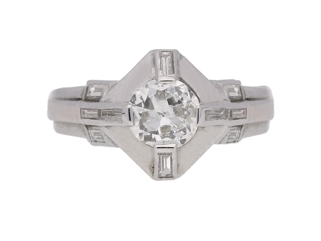 front view Diamond ring in platinum, circa 1950.