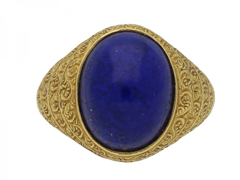 Cabochon lapis lazuli and gold ring berganza hatton garden