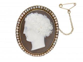 Antique cameo and pearl pendant/brooch berganza hatton garden