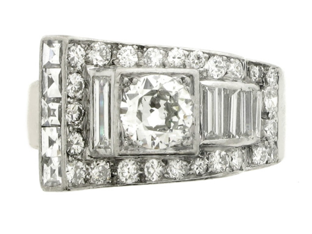 front view Art Deco diamond ring, French, circa 1935.