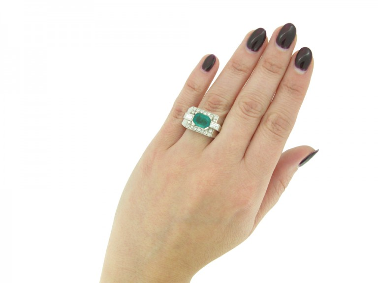 Colombian emerald diamond cocktail ring berganza hatton gardenColombian emerald diamond cocktail ring berganza hatton garden