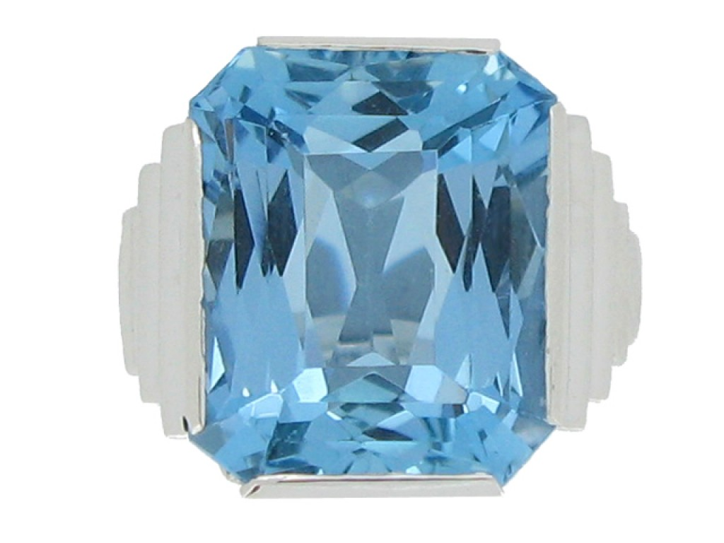 front view Art deco solitaire aquamarine ring, circa 1930.