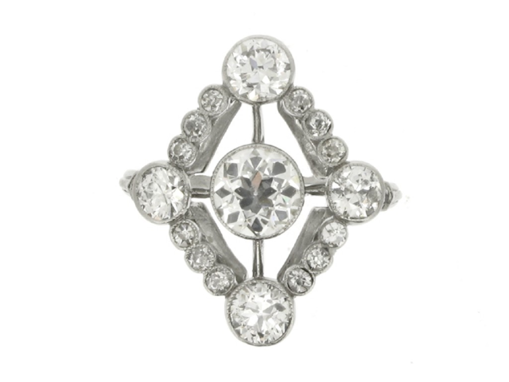 front veiw Diamond cluster ring, circa 1920.