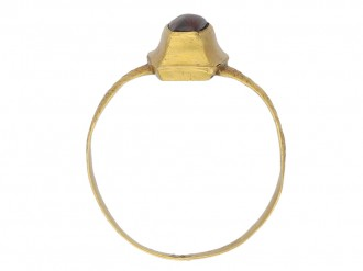 Medieval amethyst cabochon ring berganza hatton garden