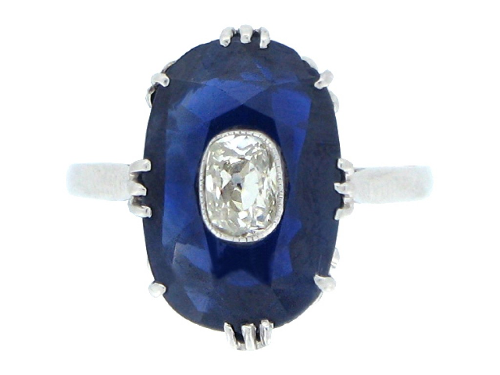 front view Sapphire ring with diamond set centre, circa 1920