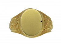 Art Nouveau carved locket ring berganza hatton garden
