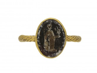 Roman gold ring with minerva intaglio berganza hatton garden