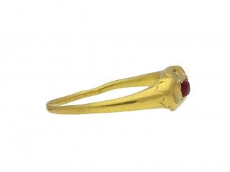 Tudor gold ring ruby 14th 15th century hatton garden