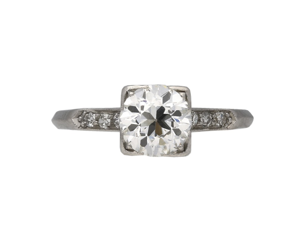 Solitaire diamond ring diamond shoulders berganza hatton garden
