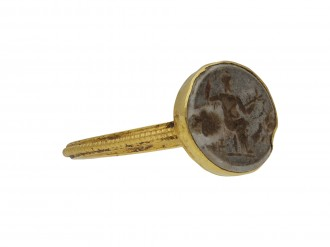 Ancient Roman intaglio ring with Jupiter berganza hatton garden