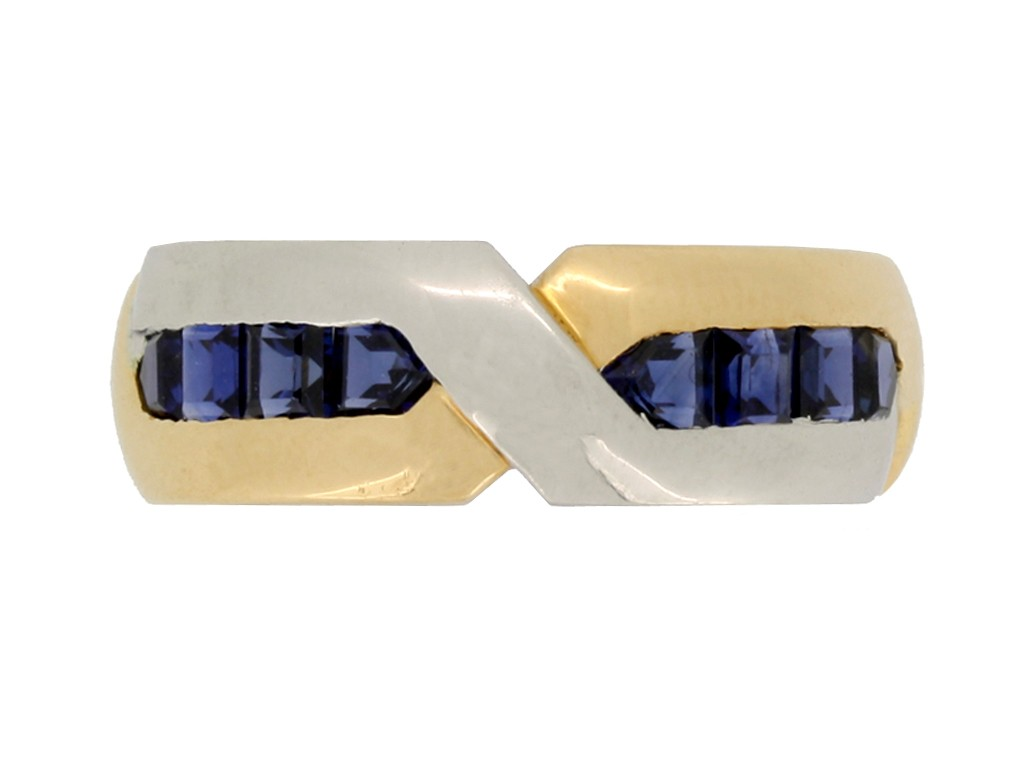 front view Oscar Heyman Brothers sapphire ring, circa 1970.