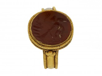 Ancient Roman gold ring with intaglio berganza hatton garden