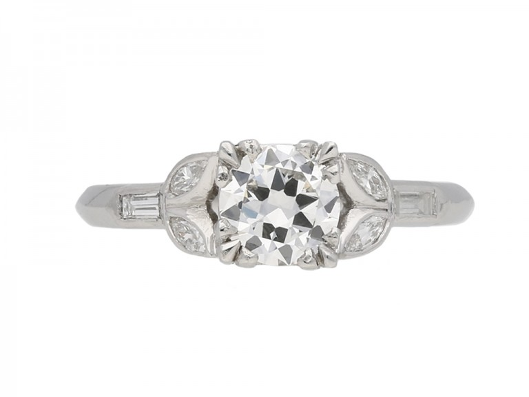 Solitaire diamond ring diamond shoulders berganza hatton garden