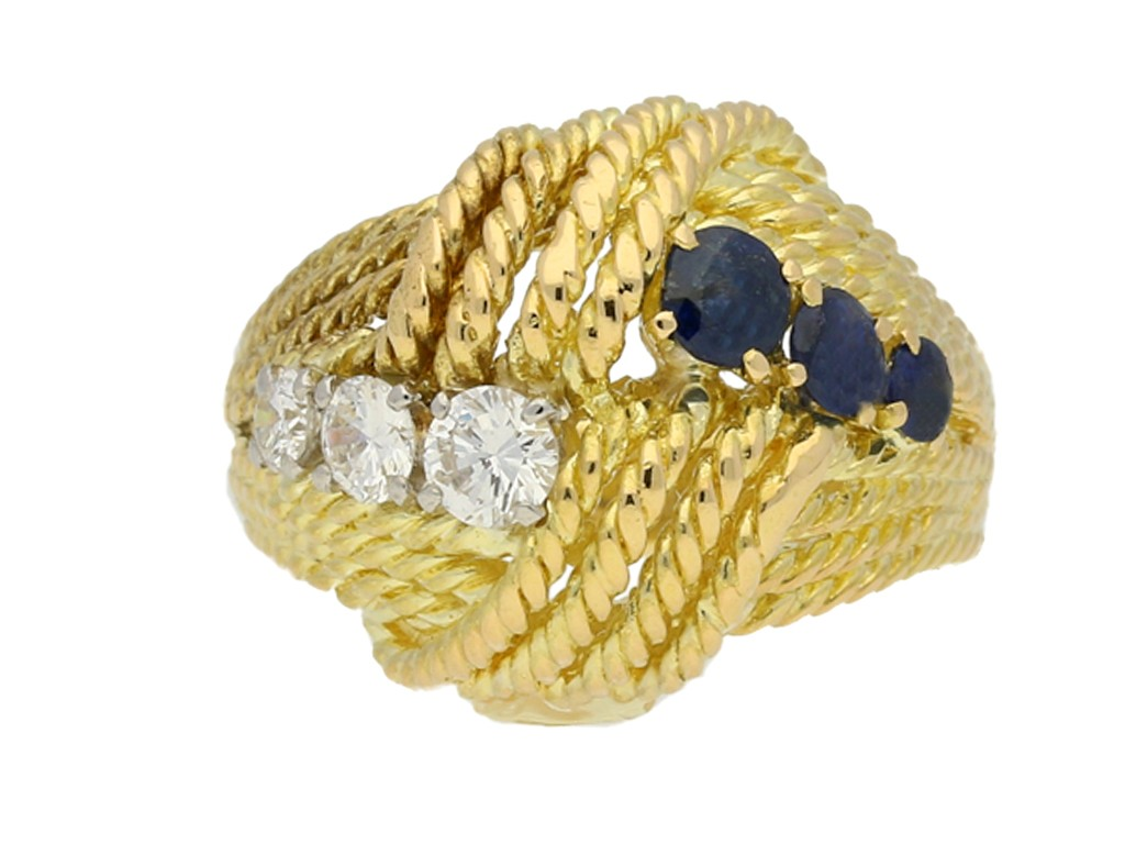 front view Van Cleef & Arpels sapphire and diamond ring